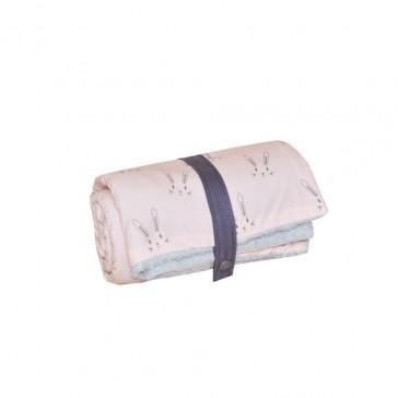 Couverture nomade Lapins roses en coton biologique - Carotte & Cie