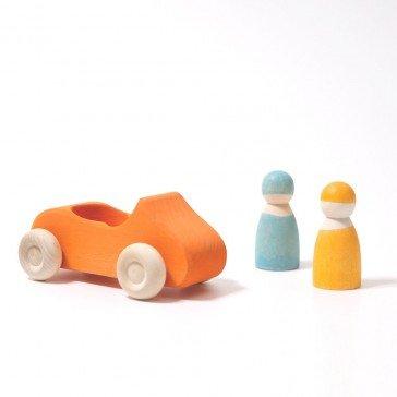 Voiture en bois orange avec 2 personnages - Grimm's